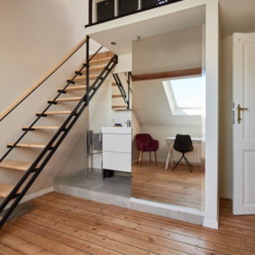beautiful room with a mezzanine and a private bathroom in a shared house in Brussels