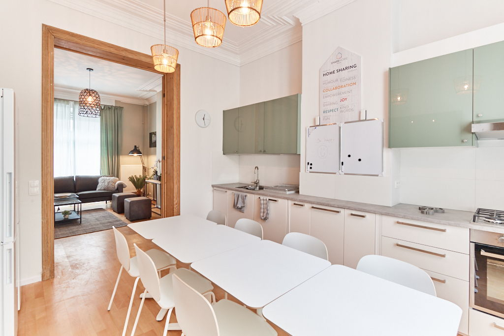 fully equipped and super modern kitchen close to the city center of Brussels