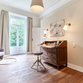 double bed room with in a community driven shared house in Brussels