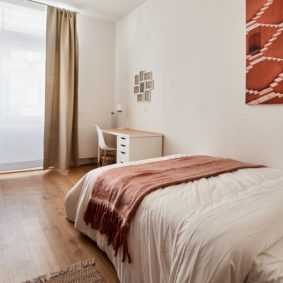 room decorated with taste in a cohousing place for expats in Brussels