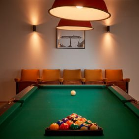 pool room in a shared house for young professionals in Brussels close to different points of interest