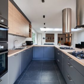 fully equipped kitchen including all the amenities in a fully refurbished house of 2020 for expats moving to Brussels