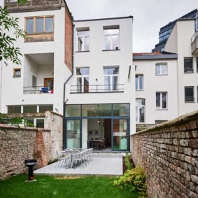 nice garden and lovely terrace in a shared house for expats in Brussels