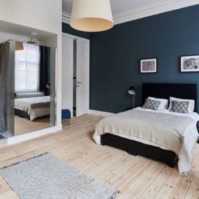 luxuous room to rent in a coliving house in Brussels decorated with style including a private shower in a fully renovated house
