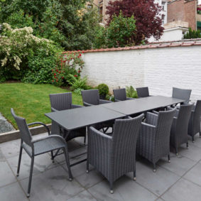 nice garden and lovely terrace in a fully renovated house for young professionals in Brussels
