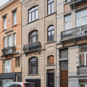 Fully renovated house (2020) of 220 m² in Schaerbeek comprising 6 comfortable fully furnished bedrooms for a coliving homesharing in Brussels