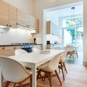 Fully-furnished kitchen for a shared space in Brussels with young expats