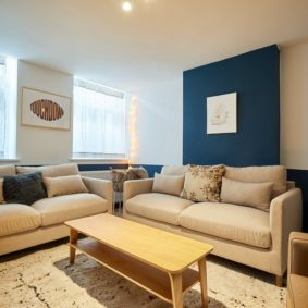 well designed and decorated living room with TV, netflix and wifi in an international cohousing in the center of Brussels