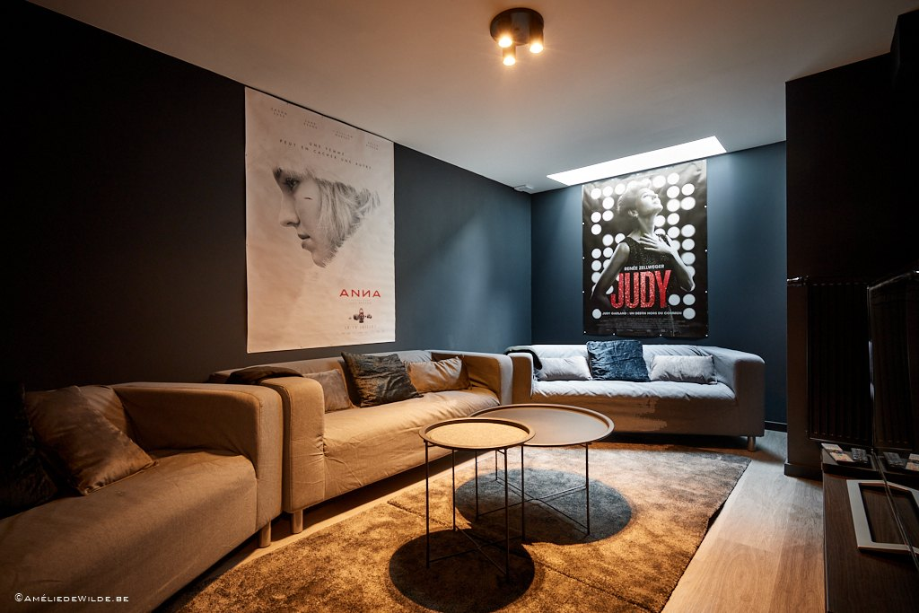 well designed and decorated living room with TV, netflix and wifi in a cohousing near the city center of Brussels