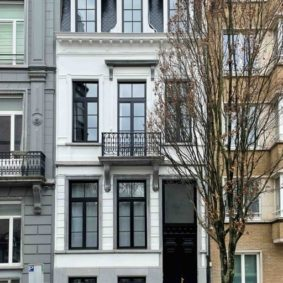 Fully refurbished and furnished house (2021) near Cinquantenaire Park with 9 furnished rooms and fully equipped kitchen and laundry room