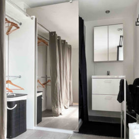 Private bathroom with shower and sink in coliving house in Brussels for internationals close to Cinquantenaire Park and points of interest